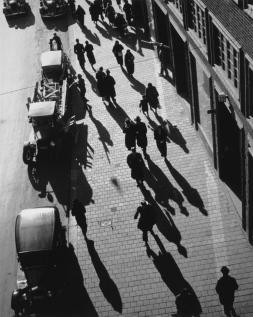 Andreas Feininger, Kungsgatan view from Malmskillnadsgatan, Stockholm 1939