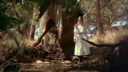 """""""Piknik pod wiszącą skałą"""" (1975)"""