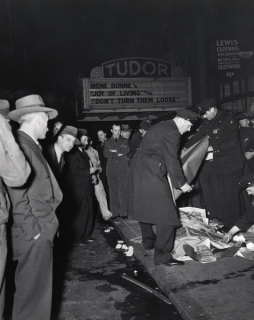Weegee: Accident, 42nd Street at Third Avenue, 1946