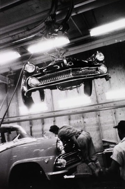 Robert Frank: Assembly plant Ford, Detroit 1955