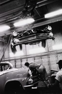 Robert Frank: Assembly plant Ford, Detroit 1955