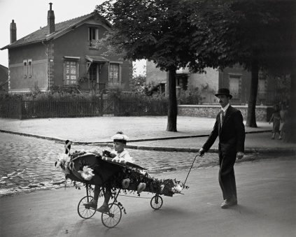 Robert Doisneau: L'Aéroplane de Papa, 1934
